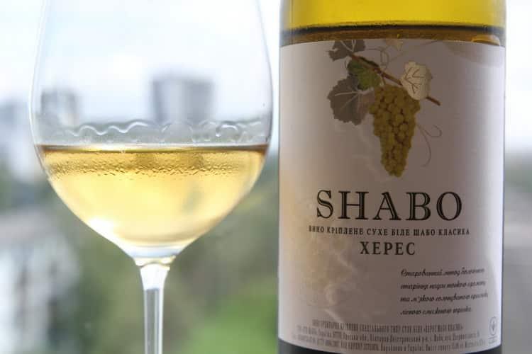Чем закусывать белое сухое вино алиготе