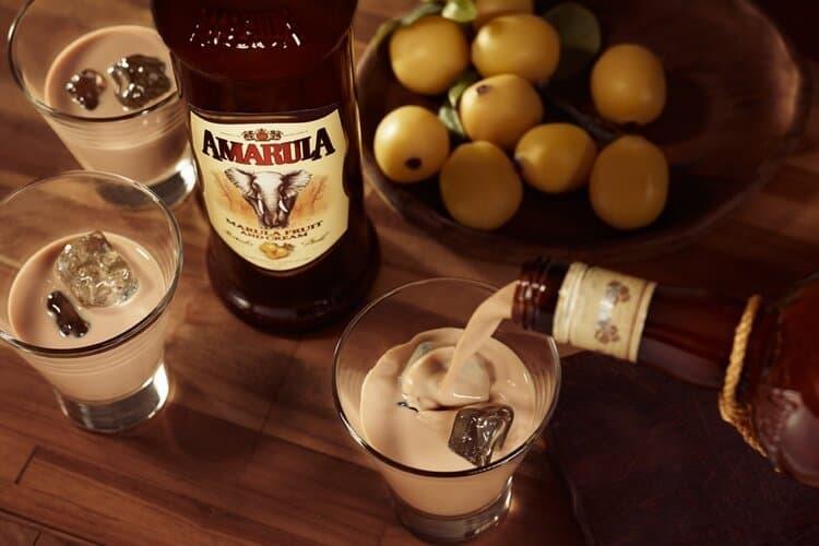 Узнайте также, как пить ликер Амарула.