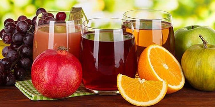 На аперитив можно подавать вино, другие алкогольные напитки, но можно также предложить гостям и соки.