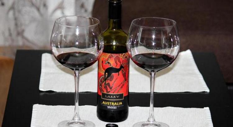 Красное вино из Австралии это широкий выбор прекрасных напитков.