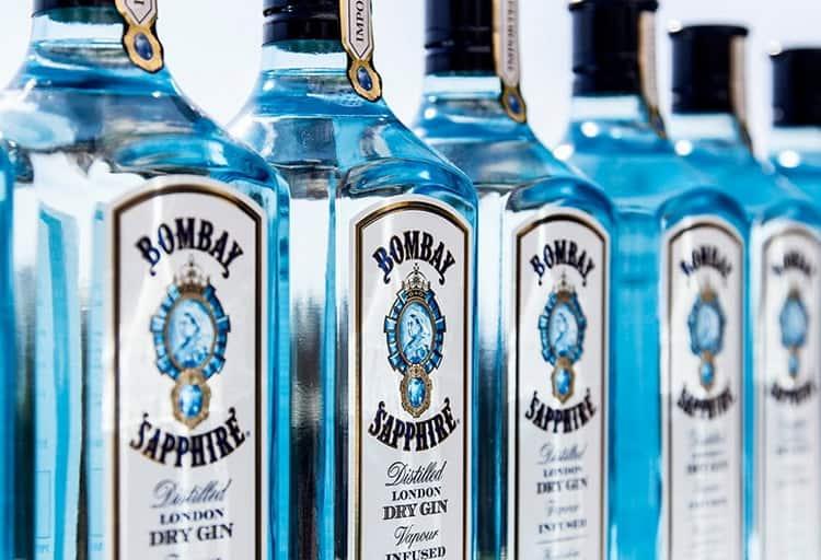 С чем подавать голубой джин