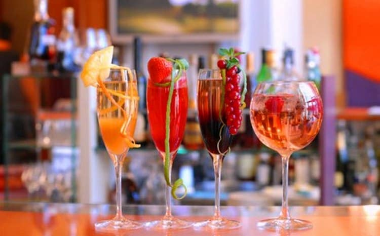 Это шампанское подходит также и для создания коктейлей.
