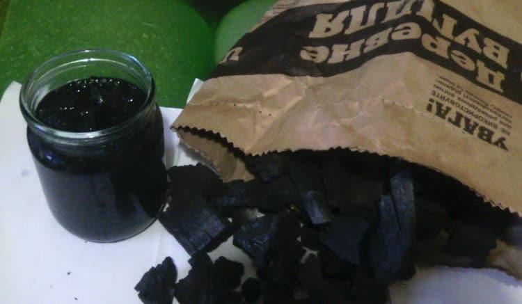 Как очистить чачу от запахадревесными углями