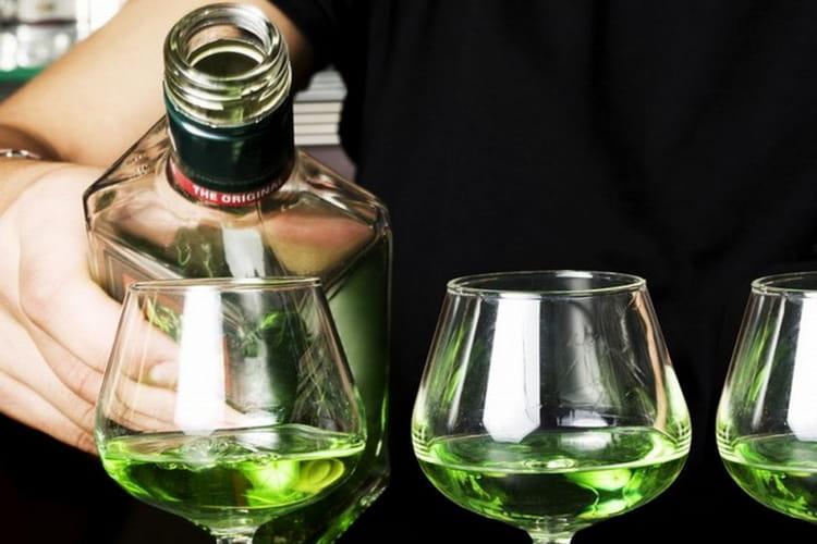 как правильно пют и чем закусывают абсент