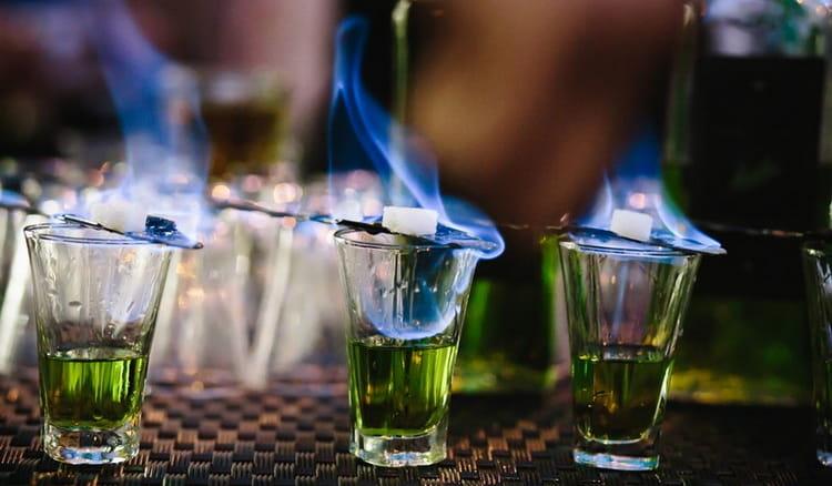 Как и с чем пьют зеленый абсент