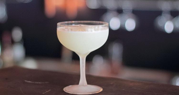 Классический коктейль белая леди