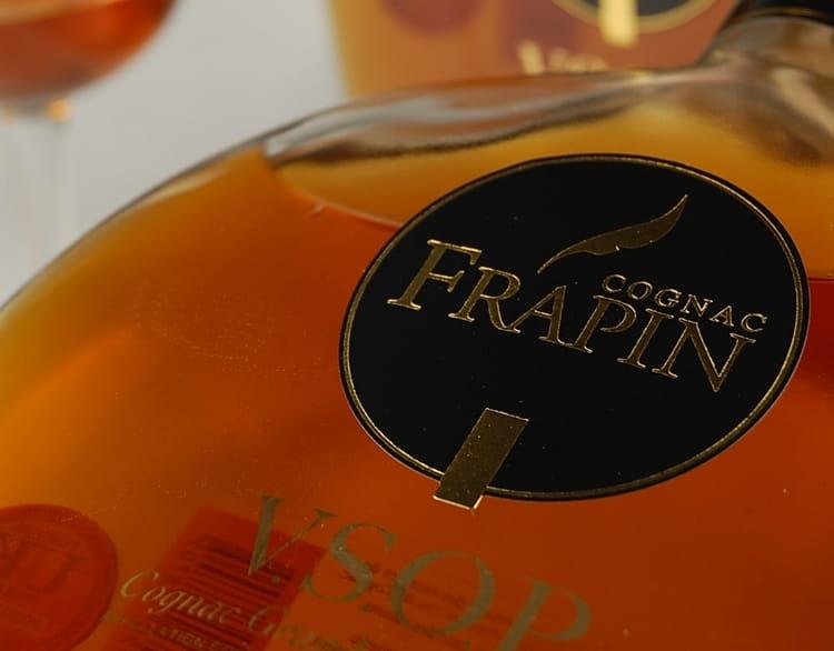 Коньяк Frapin особенный, каждый бленд имеет свой окрас.