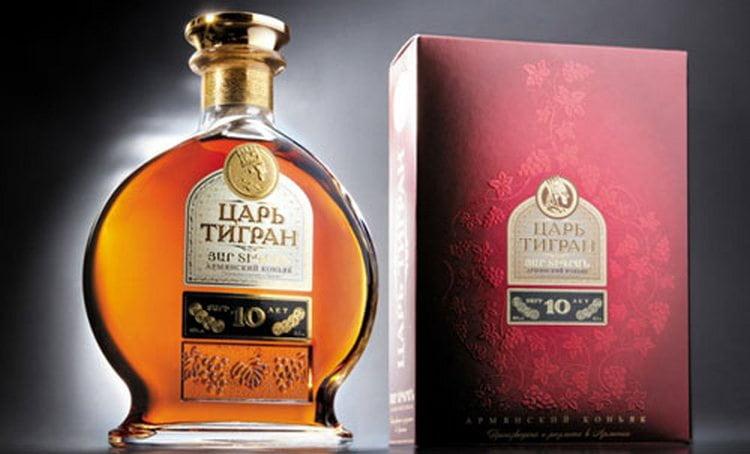 шлеф ванили характерен для аромата коньяка Царь Тигран 10 лет выдержки.