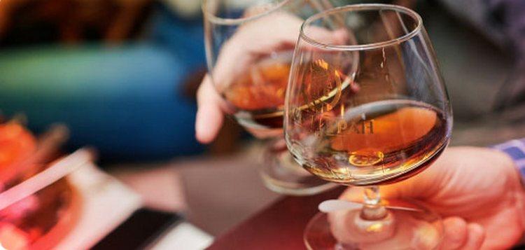 Коньяк Царь Тигран это изысканный напиток в доступном ценовом диапазоне.
