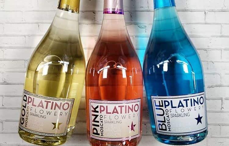 Шампанское москато в наше время предлагают многие производители.
