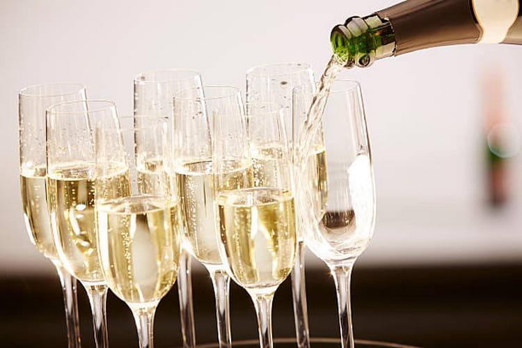 Как подавать игристое вино асти