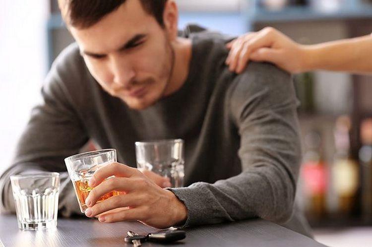 Очень важно помнить, что напиток достаточно быстро может вызвать привыкание, поэтому употреблять его надо в умеренных количествах.