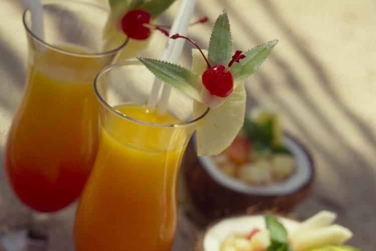 Вкусний коктель Багама Мама