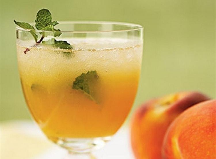 В напиток можно добавить даже фруктовые пюре.