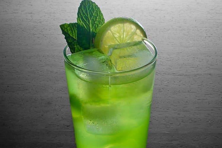 В рецепте мохито с водкой в домашних условиях можно также использовать спрайт.