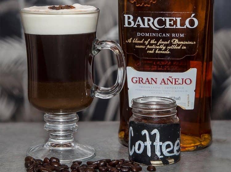 Узнайте также, как пить ром Barcelo правильно, если хотите приготовить с ним коктейль.