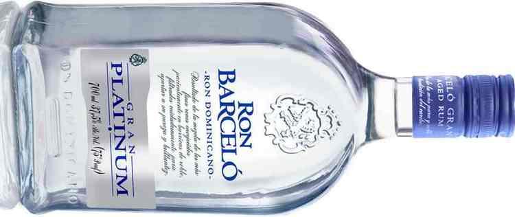 Сливочно-фруктовым привкусом обладает бленд Бланко Платинум.