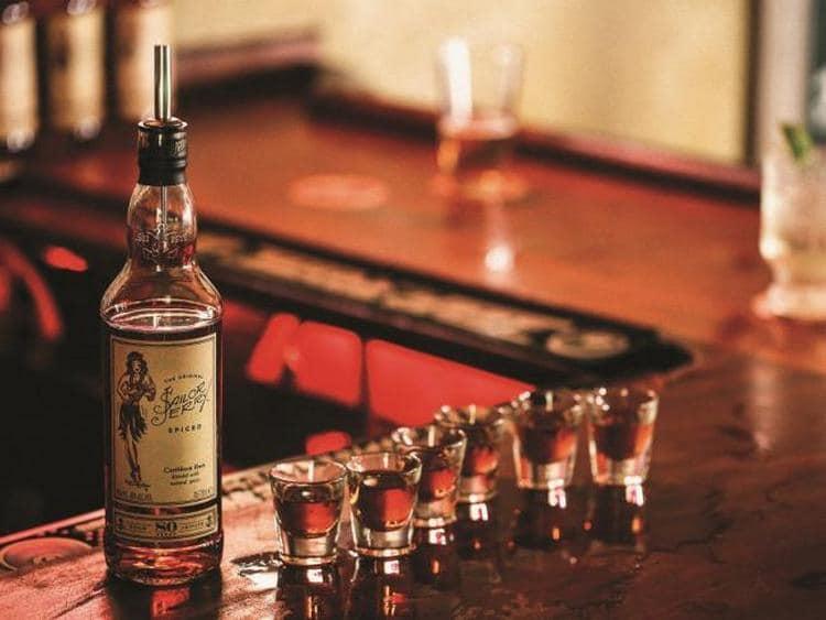 Ром Сейлор Джерри это крепкий напиток, который производит известная американская компания.