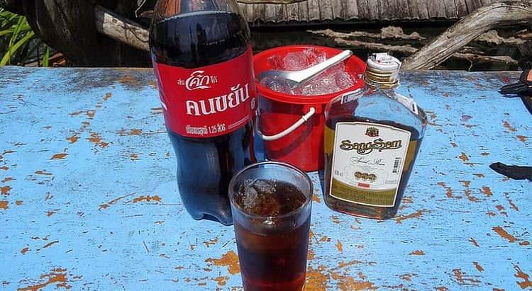 Ром Санг Сом можно пить и в чистом, и в разбавленном виде.