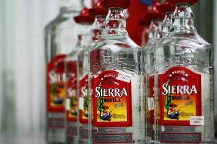 Популярностью пользуется текила Сиерра сильвер.
