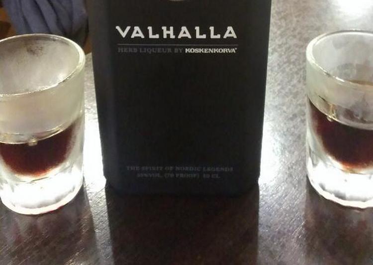 Узнайте также, как пить ликер Вальхалла.