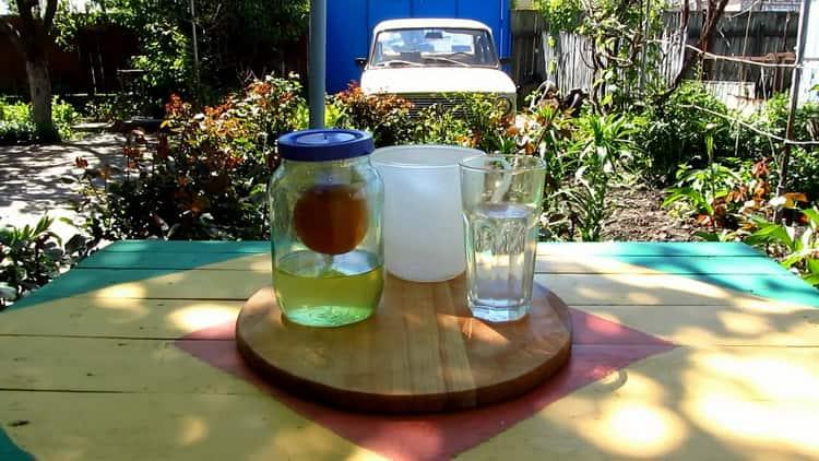 Для приготовления апельсиновой водки приготовьте все необходимое