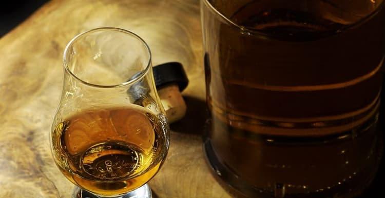 Поддельный виски и его консистенция