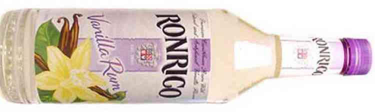 Тонким ароматом обладает ванильный ром Ронрико.