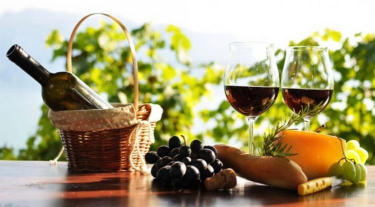 С чем сочетаеса вино красное сухое риоха