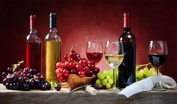 Узнайте, какие есть виды алкогольных напитков.