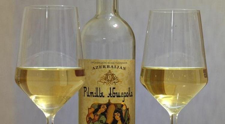 Есть среди азербайджанских вин чудные белые напитки.