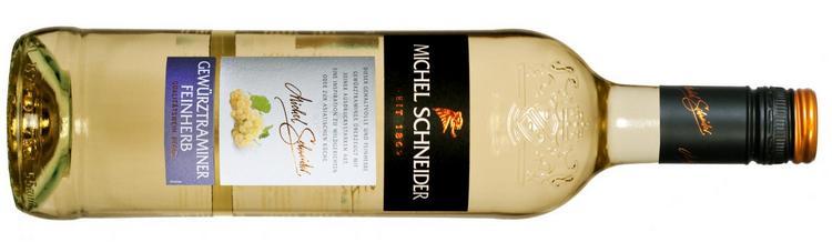 Белое полусухое вино шнайдер гевюрцтраминер обладает просто очаровательным ароматом.
