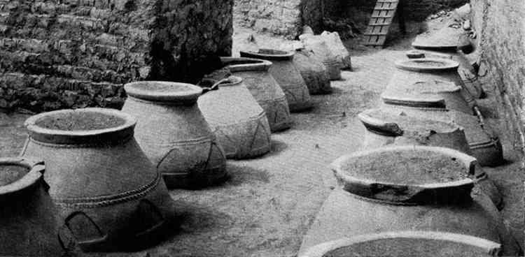 Как в древности делали вино в армении