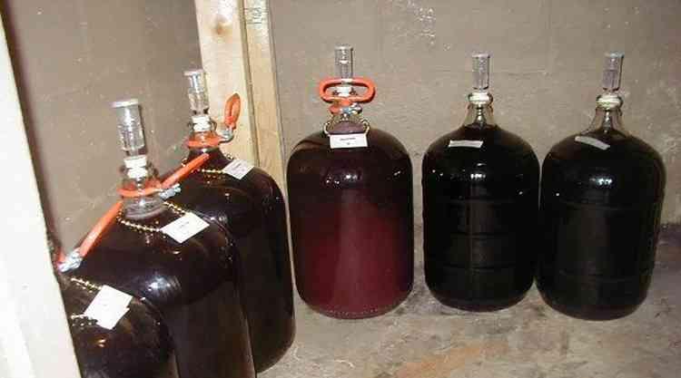 Этап настойки для вина изабелла