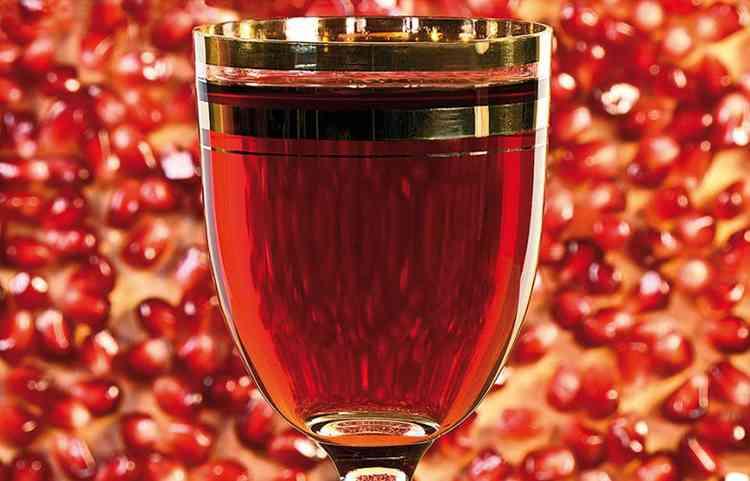 прекрасное вино из граната