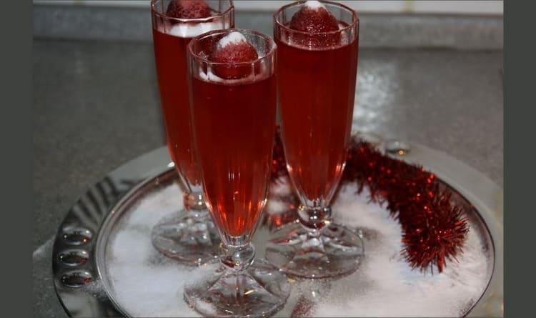 Простой пошаговый рецепт приготовления вина из ягод в домашних условиях