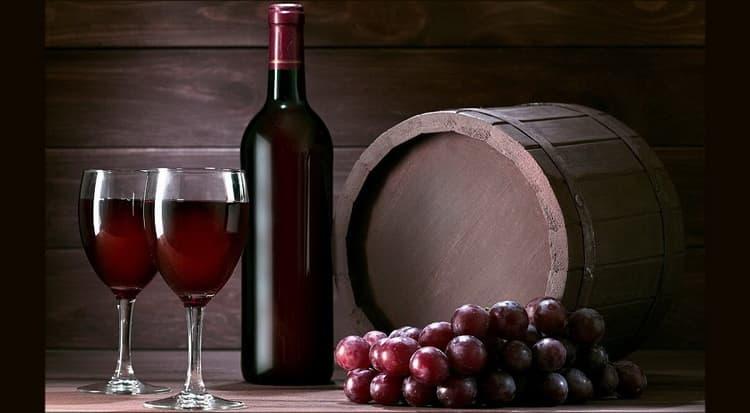 Тонкости приготовления вина из чернослива в домашних условиях по простому рецепту