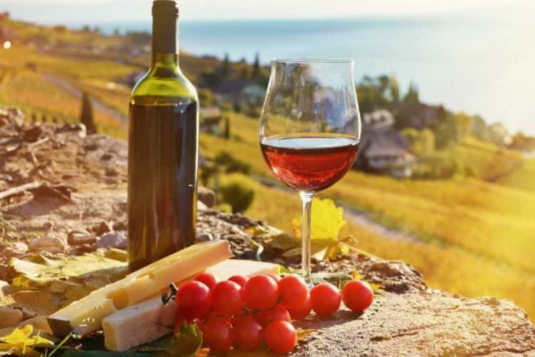 Как подавать грузинское вино сухое красное