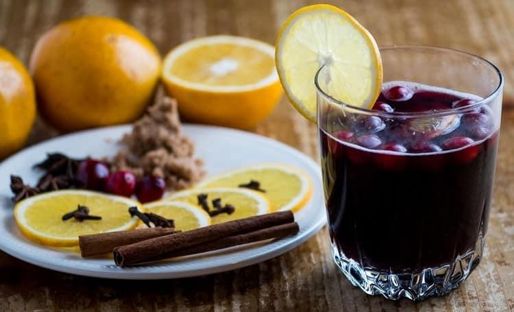 Винный напиток очень сильно отличается от настоящего вина.