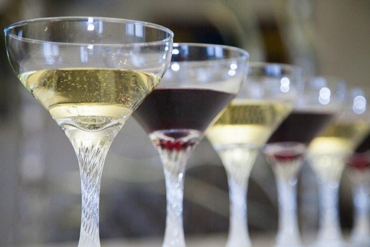 Винный напиток нередко бывает и газированный.