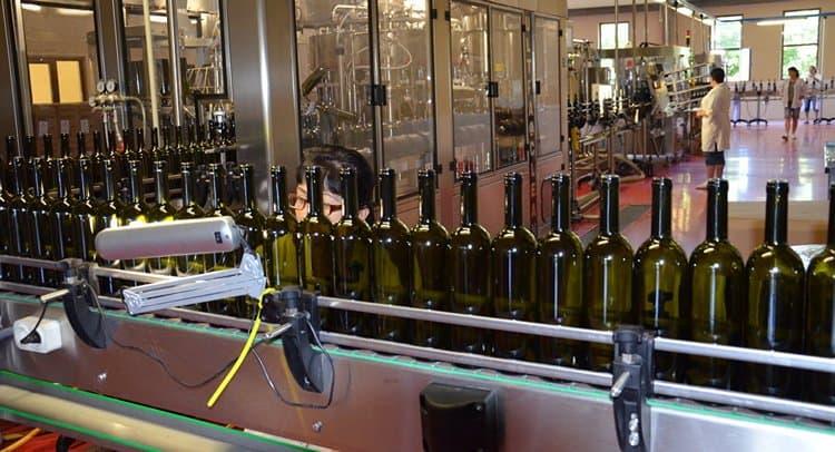 Производят такие напитки даже именитые производители вина.