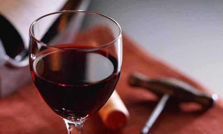 Вино Черный лекарь как правильно подавать напиток