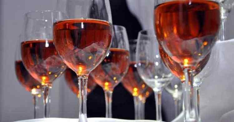 Как подавать Вино Фанагория 1957