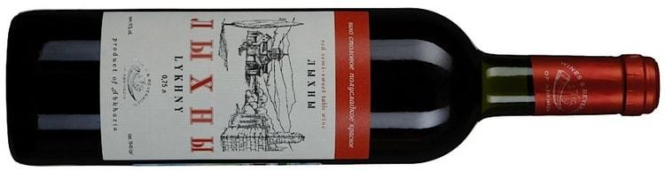 Большой популярностью пользуется вино Лыхны красное полусладкое.