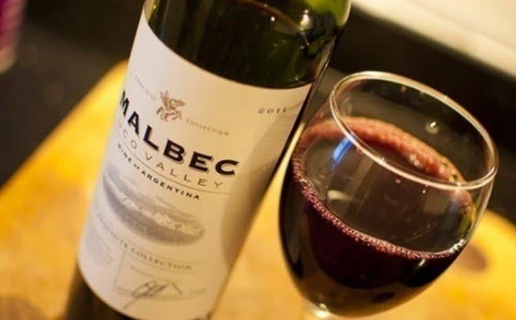 Вина из Аргентина мальбек обладает насыщенным рубиновым цветом.