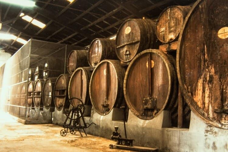 Сицилийское вино марсала немного крепче, чем обычные вина.