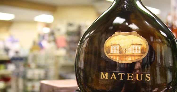 Вино Матеуш