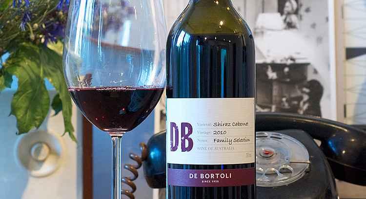 Вино Шираз украсит ваш праздничный стол