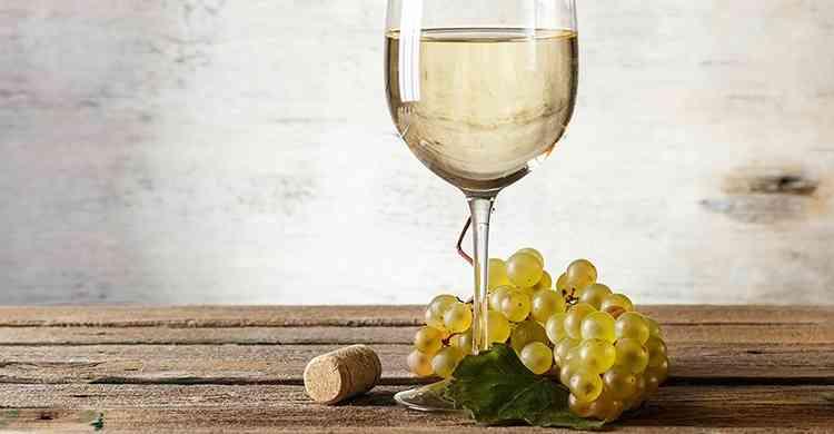 Вино из белой спмродины
