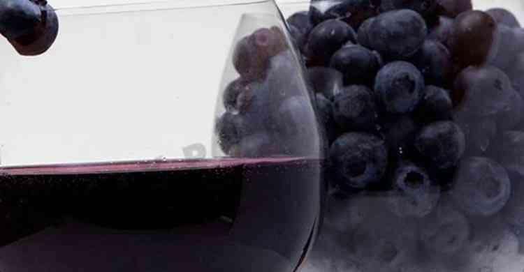 Вино из черники готовый напиток